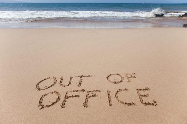 Mimo kanceláriu, bez peňazí